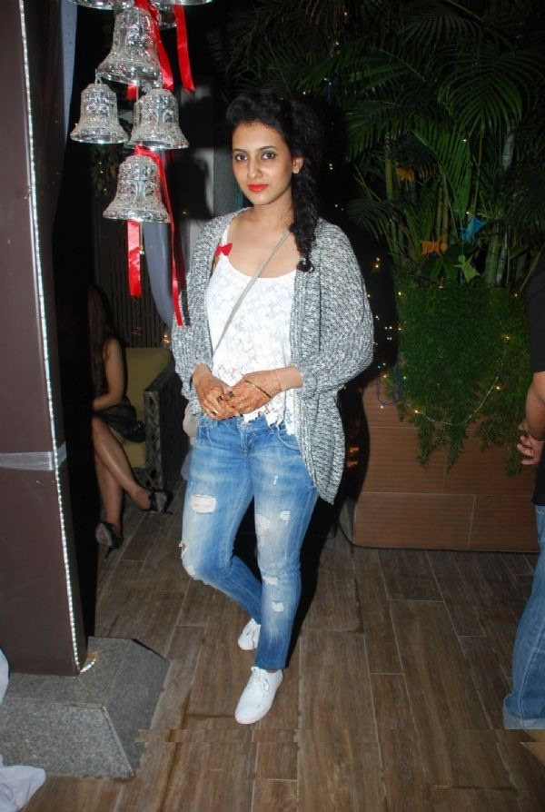 Additi Gupta Hot Pictures In Jeans Top
