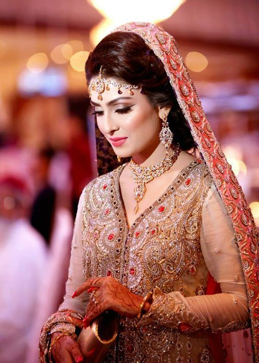 Ayeza Khan Hot Navel Images New Hd Pictures Downloads