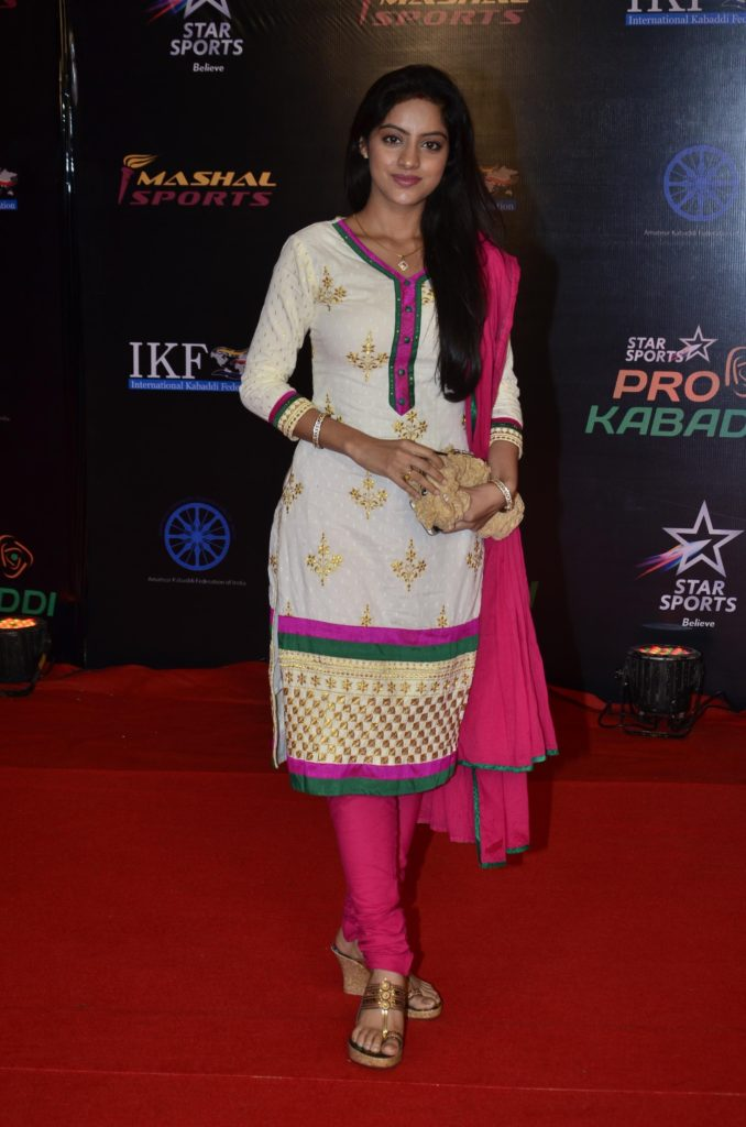 Deepika Singh HD Wallpapers In Salwaar Kameez