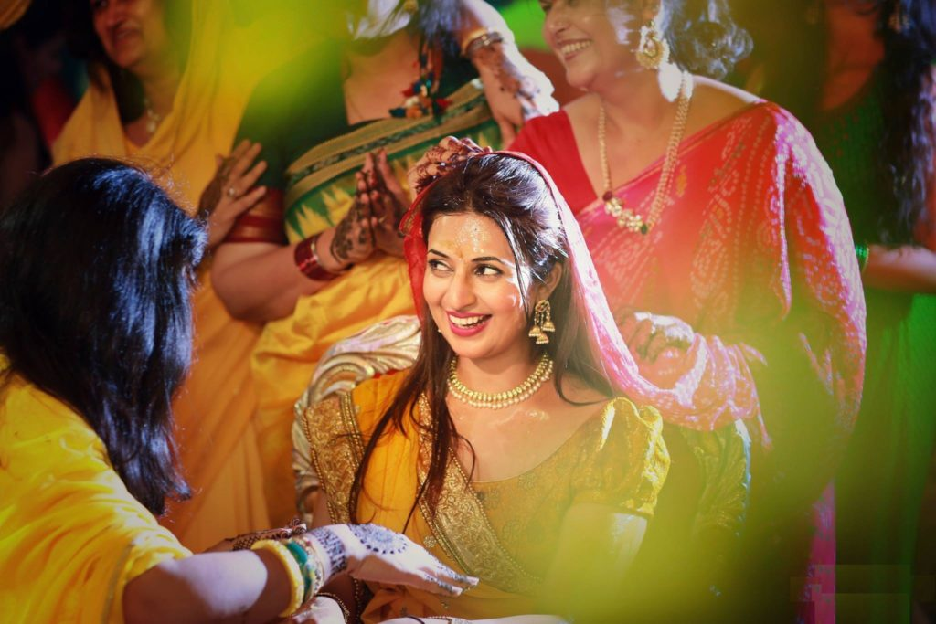 Divyanka Tripathi HD Pics In Gagra Choli