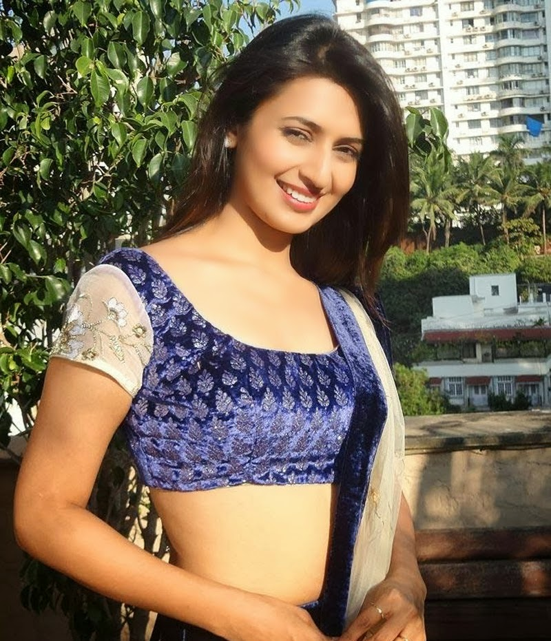 Divyanka Tripathi Spicy Navel Wallpapers Download