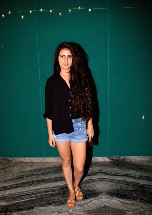 Fatima Sana Shaikh Hot Images In Short Jeans Top