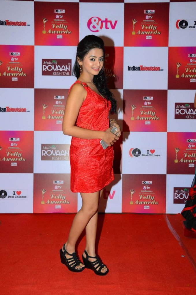 Helly Shah HD Sexy Pics In Short Clothes