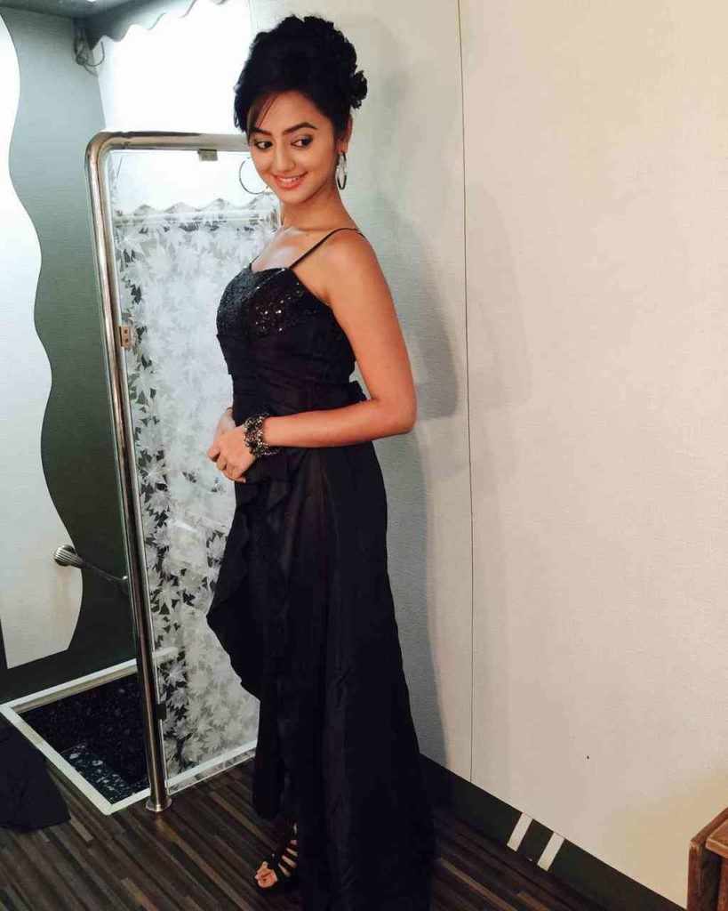 Helly Shah Pictures