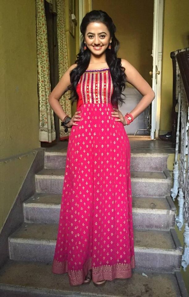 Helly Shah Unseen Pics