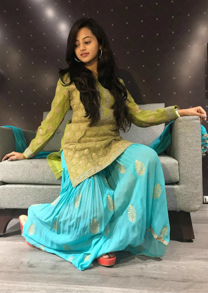 Helly Shah Wallpapers