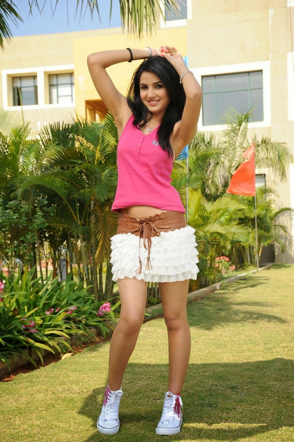 Cleavage Hot Jasmin Bhasin 	2011  nude (81 photo), Facebook, see through