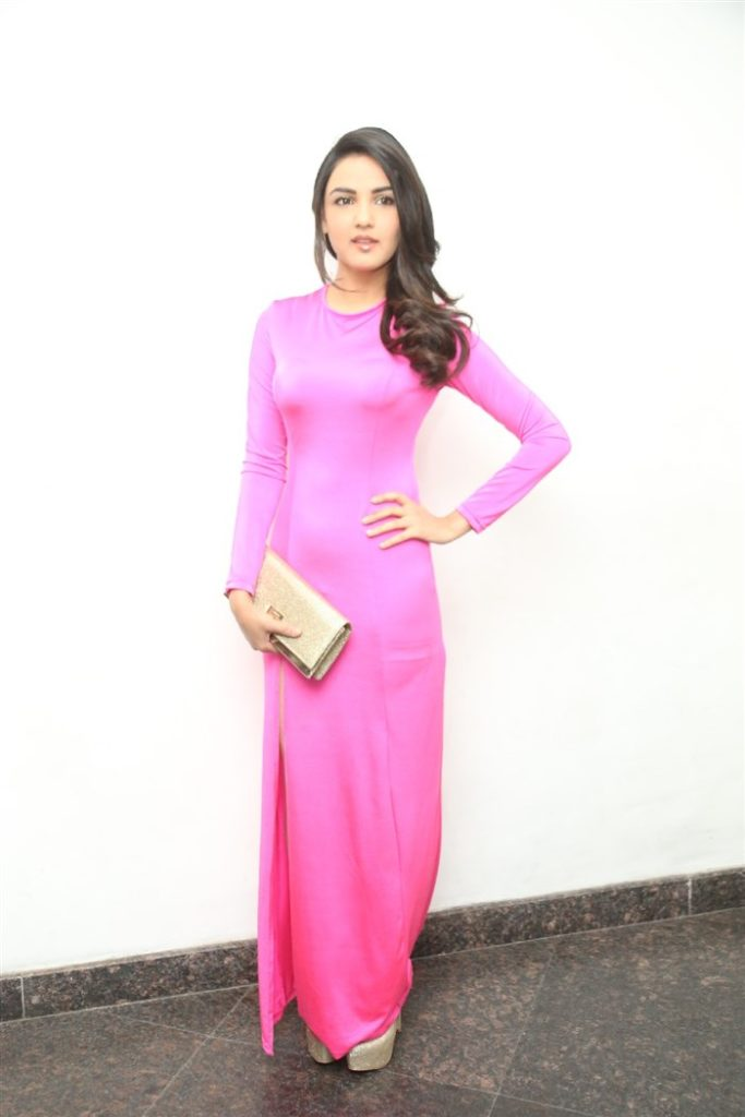 Jasmin Bhasin HD Sexy Pics Photoshoot