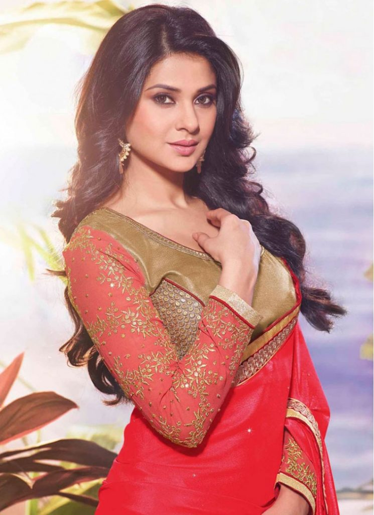 Jennifer Winget HD Pics In Saree