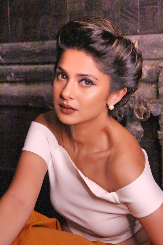 Jennifer Winget HD Sexy Pictures Full HD