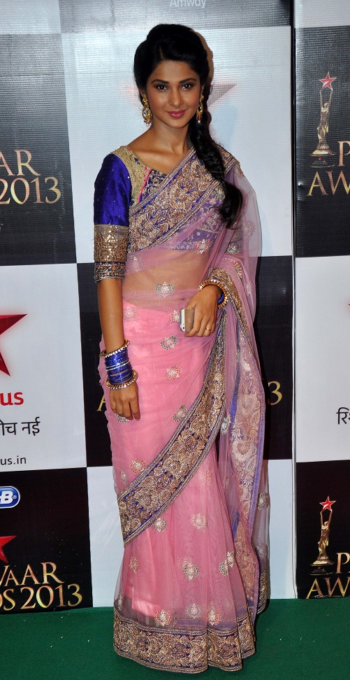 Jennifer Winget Hot & Spicy Navel Pics In Saree