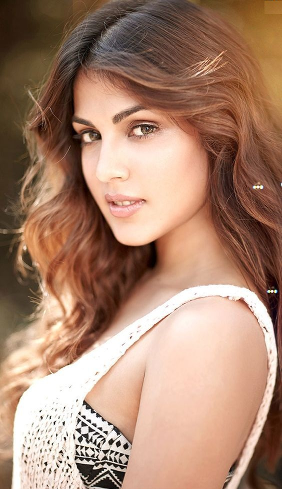 Rhea Chakraborty HD Images