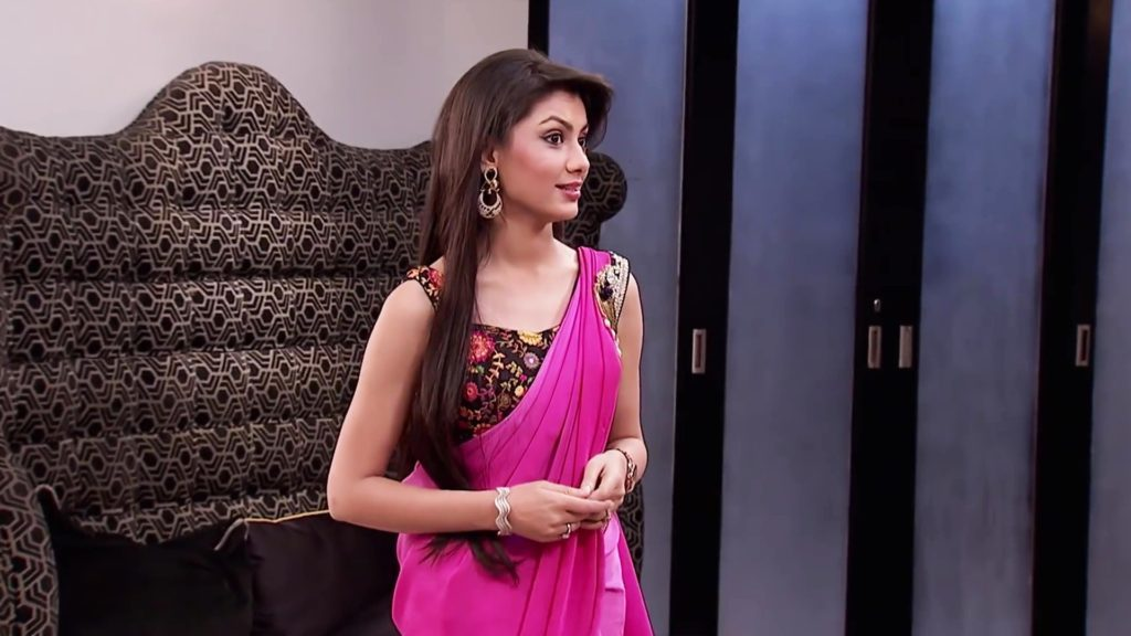 Sriti Jha Hot Serial Look Pics