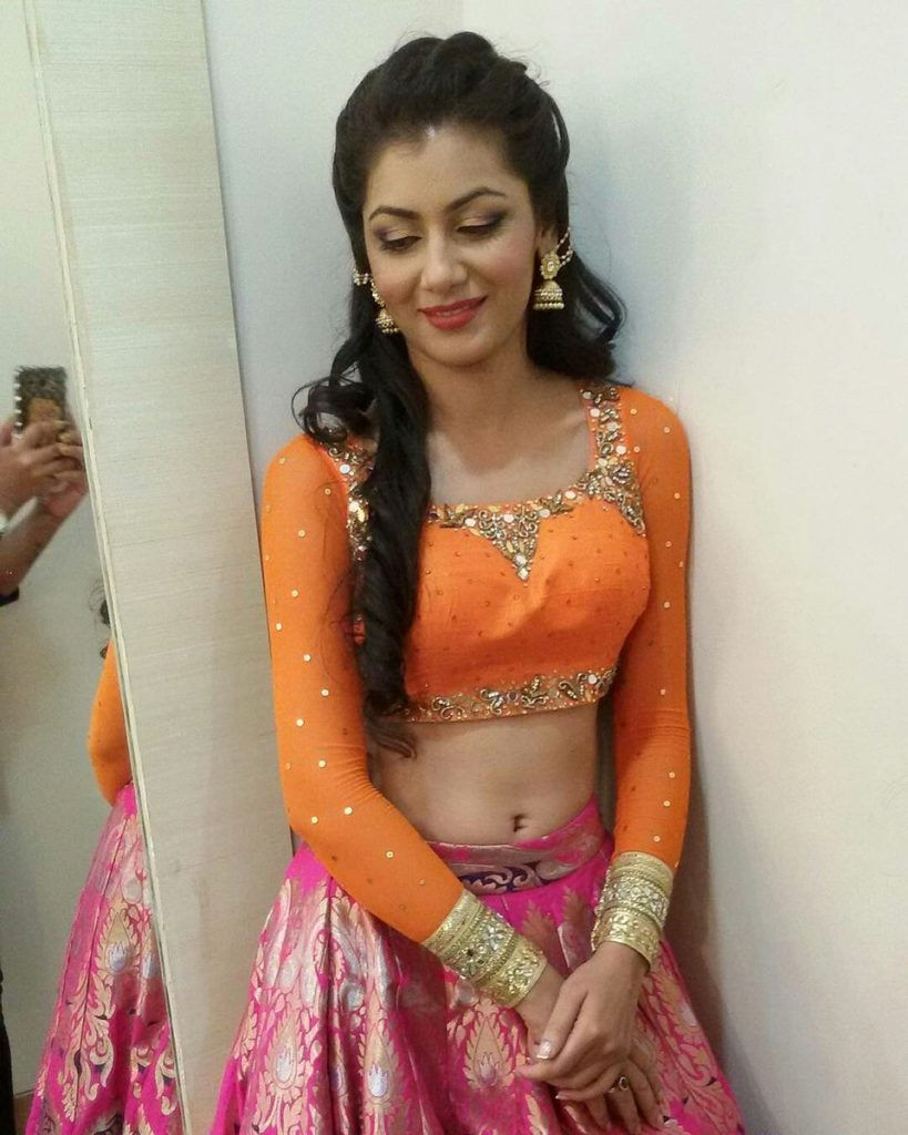 Sriti Jha Spicy Navel PIcs In Gagra Choli