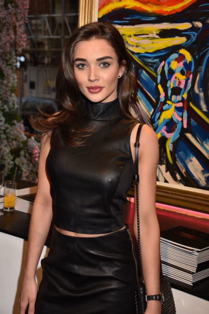 Amy Jackson HD Sexy Pics At Award Show