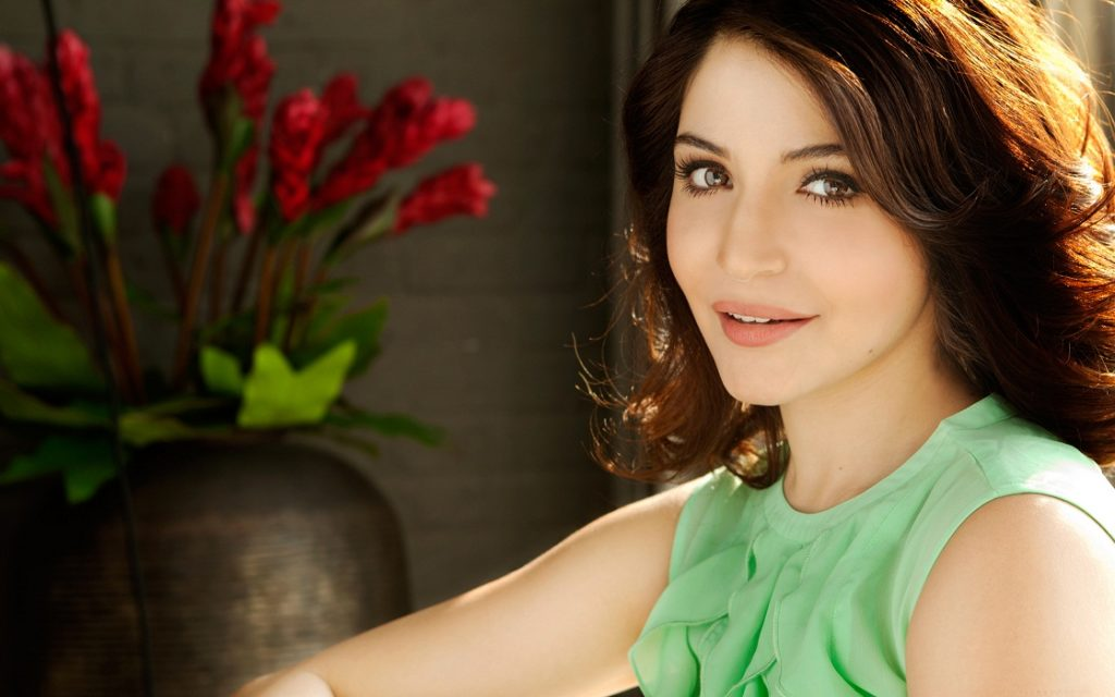 Anushka Sharma Hot & Sexy Pictures Download