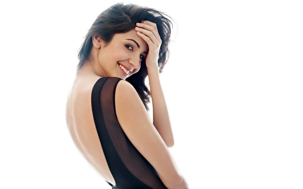 Anushka Sharma Spicy & Sizzling Backside Images Free Download