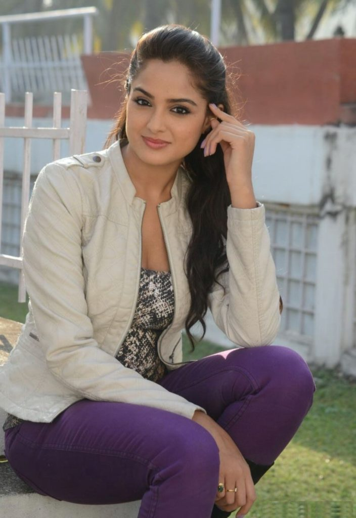 Asmita Sood Hot Images In Jeans Top