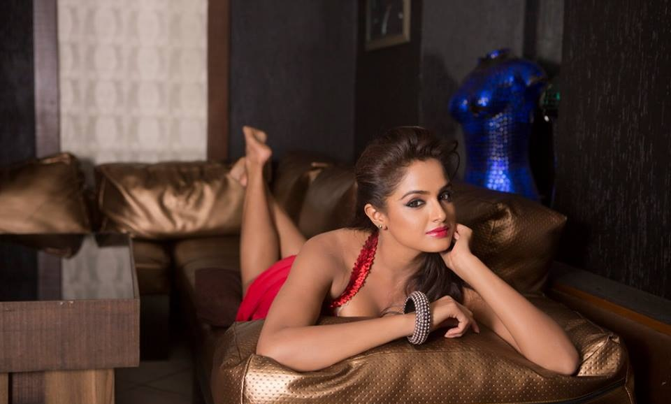 Asmita Sood New Wallpapers