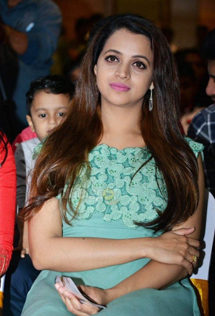 Bhavana Hot HD Photoshoot At Award Show