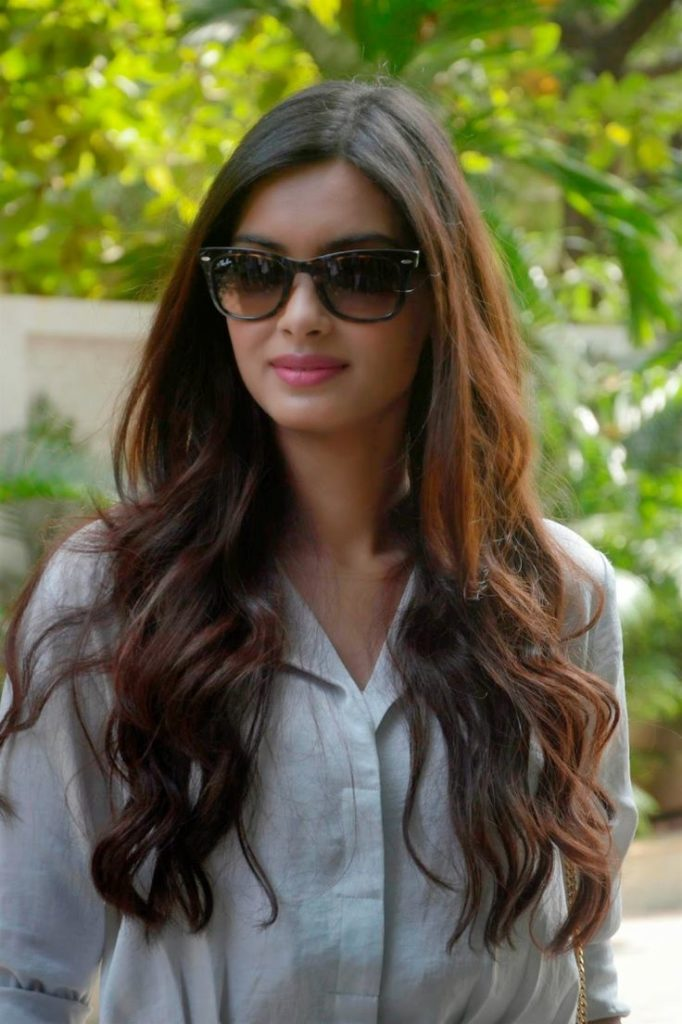 Bollywood Actress Diana Penty Beautiful Pics