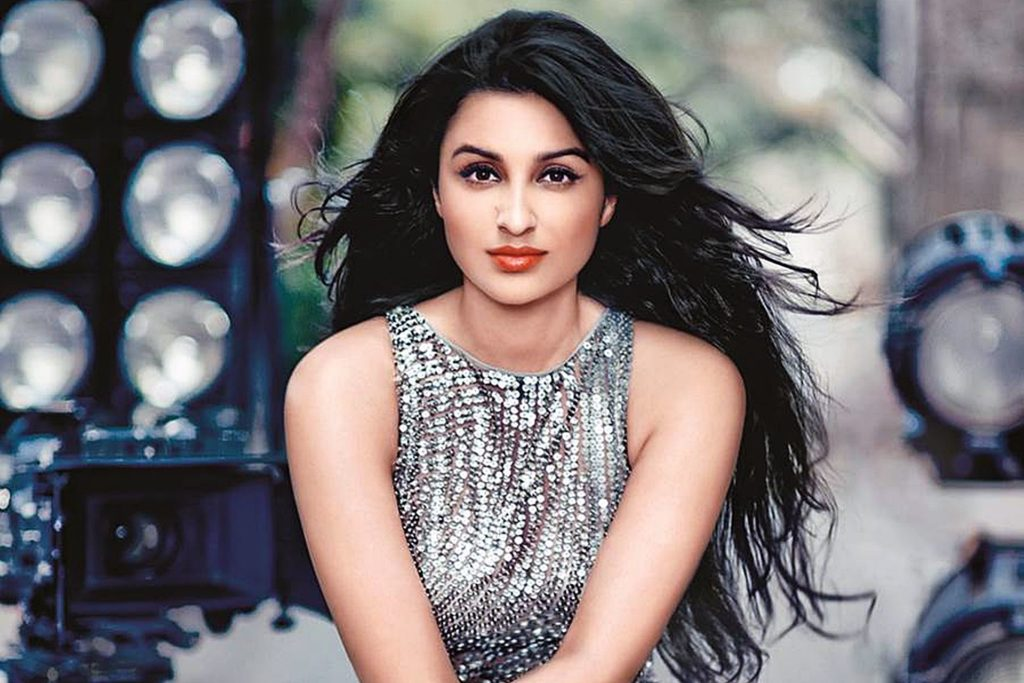 Bollywood Actress Parineeti Chopra Hot Sexy Photos Download