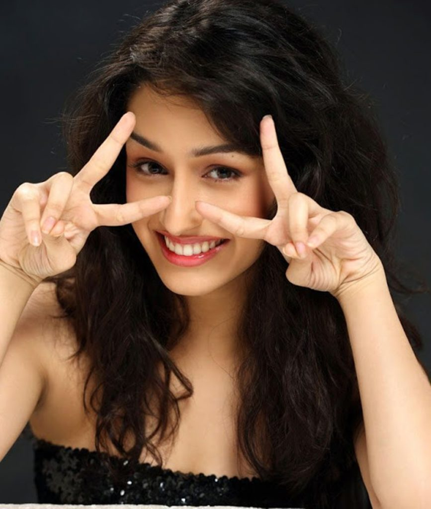 Bollywood Actress Shraddha Kapoor Latest Hot HD Photos Wallpapers