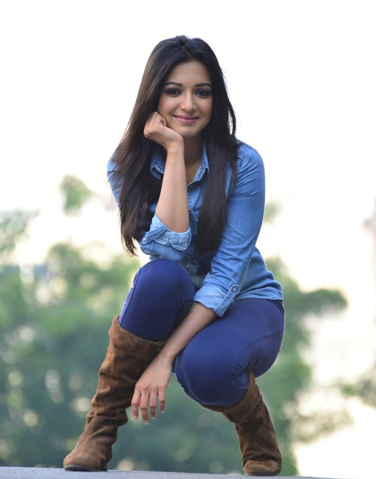 Catherine Tresa Beautiful Images In Jeans Top