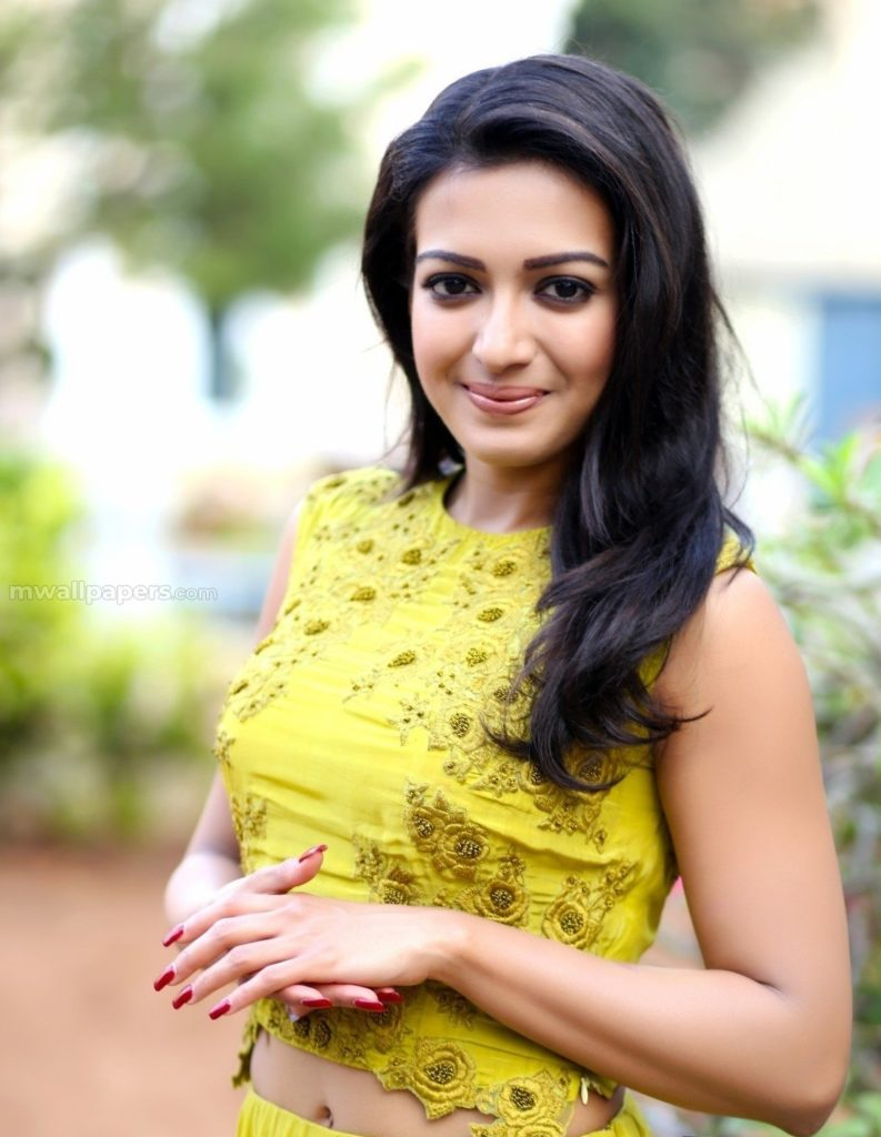 Catherine Tresa Cute Smiling Pics