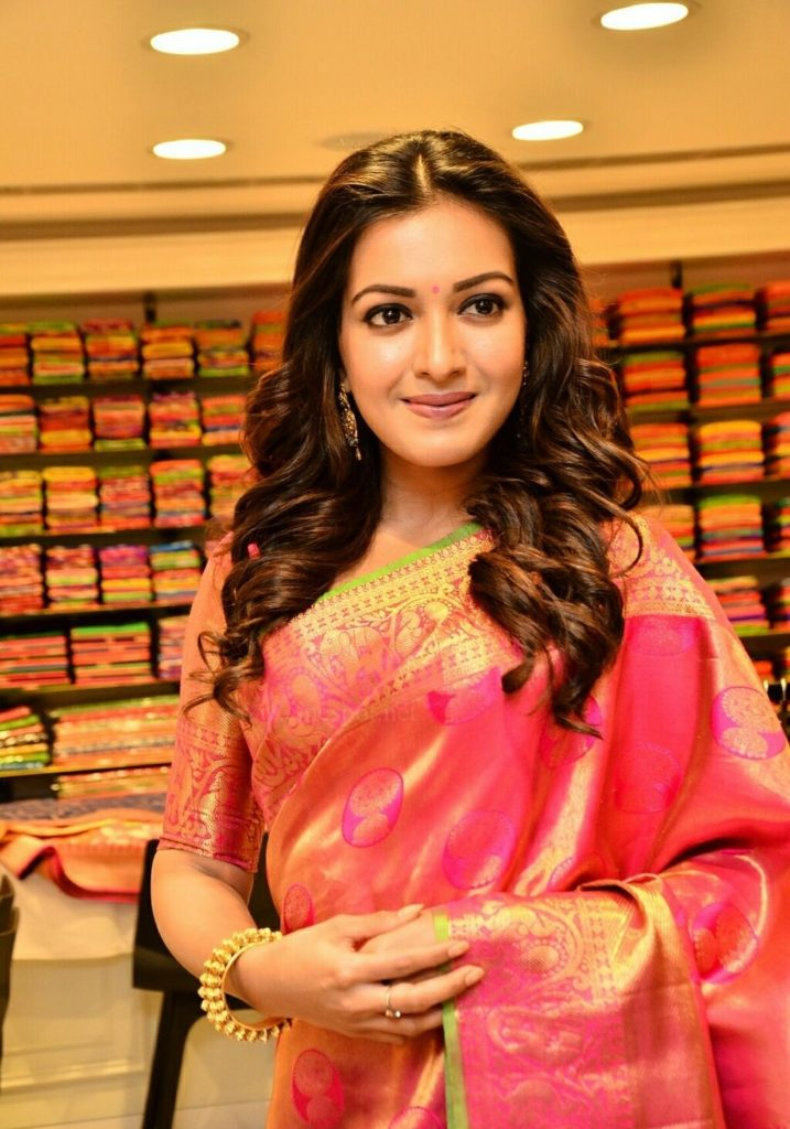 Catherine Tresa HD Wallpapers In Saree
