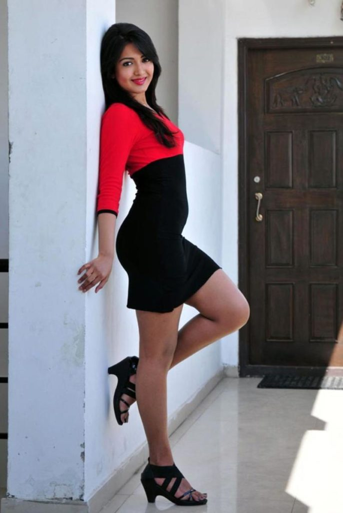 Catherine Tresa Sexy & Spicy Images