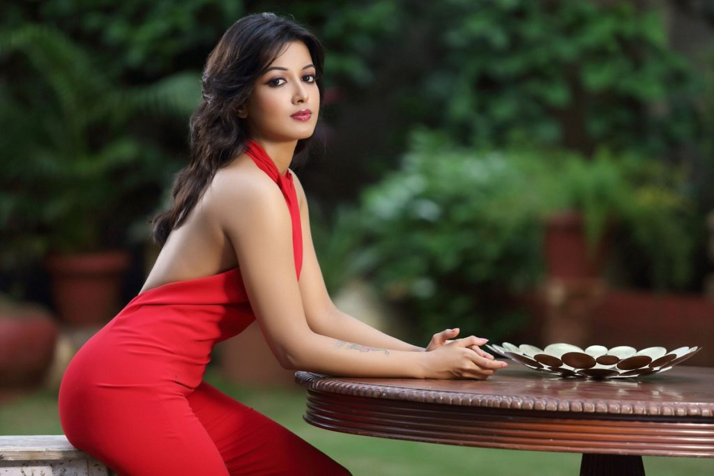 Catherine Tresa Spicy & Sizzling Photos Gallery
