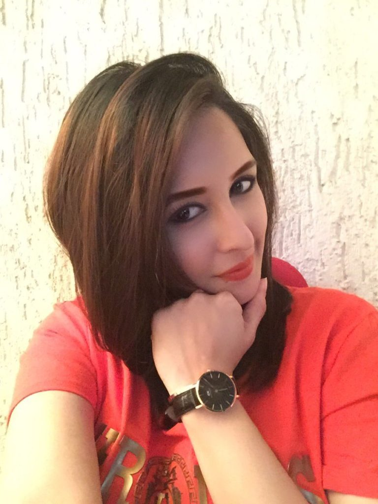 Chahat Khanna Images