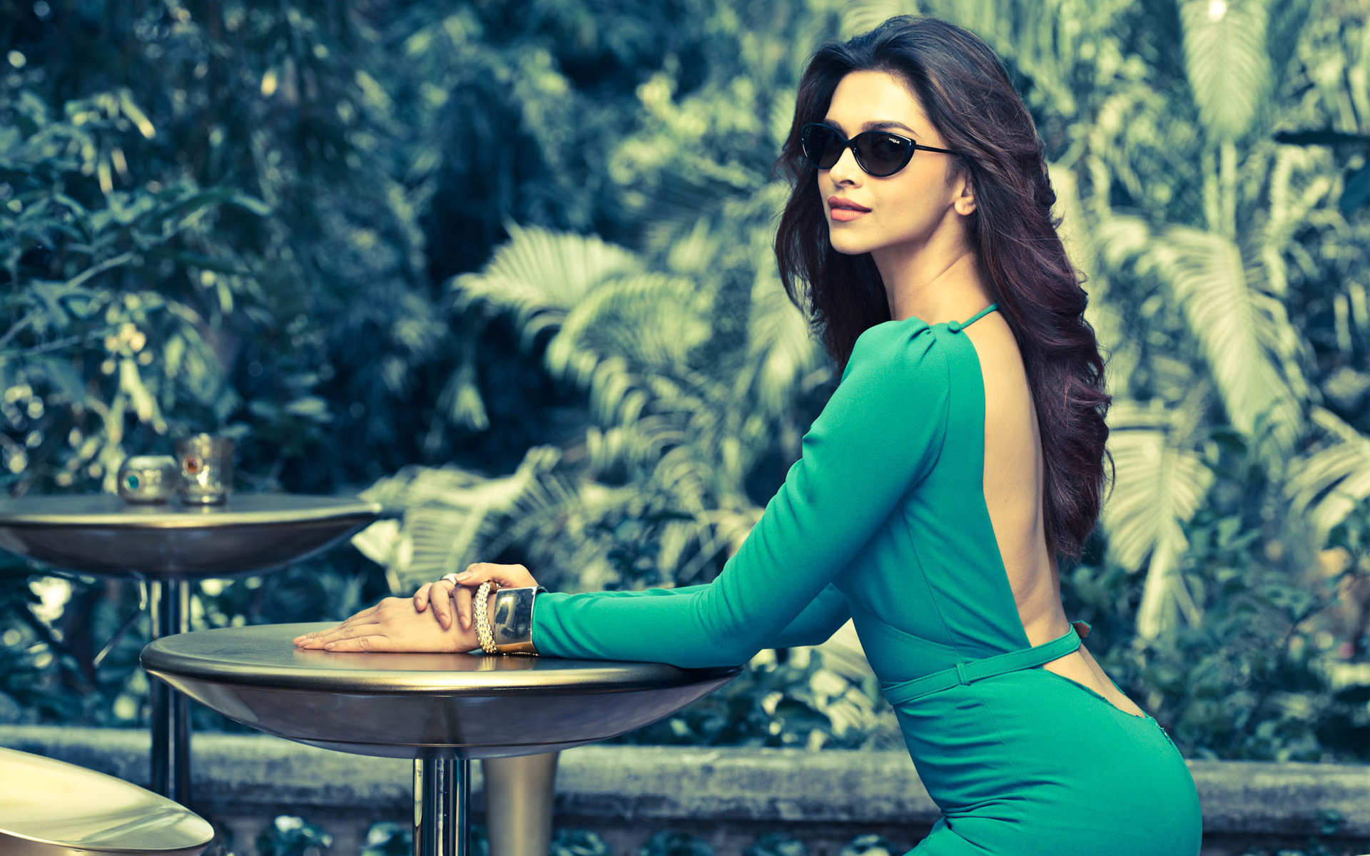 Deepika padukone sexy hd wallpapers