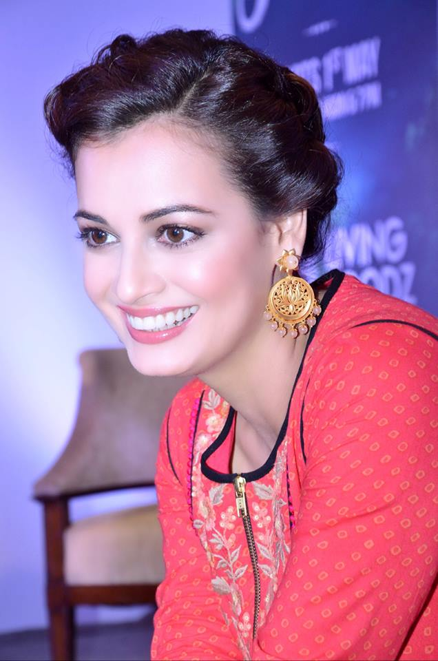 Dia Mirza Cute Smiling Photos