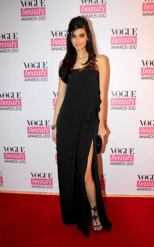 Diana Penty Sexy Legs Images