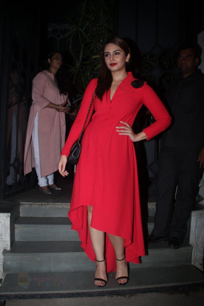 Huma Qureshi Scenic Photoshoots For Profile Pics