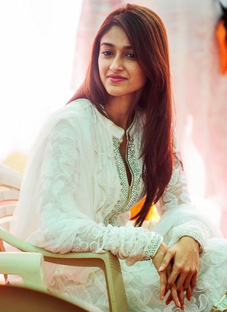 Ileana D'Cruz Cute Smiling Pictures