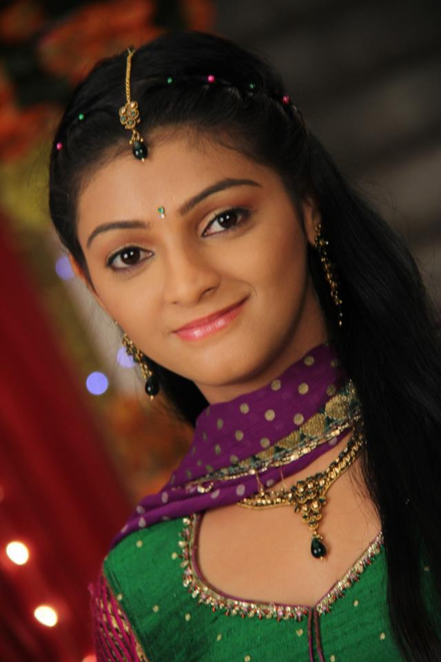 Jyotsna Chandola Cute Smilng Pics