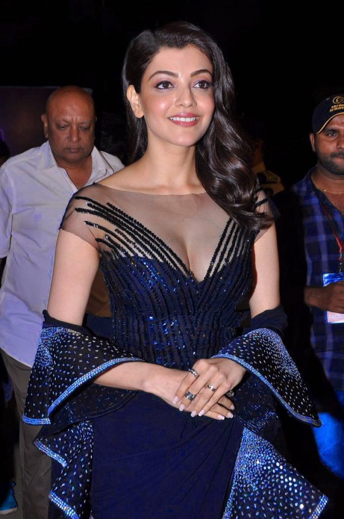 Kajal Aggarwal Bold Pictures At Awards Show