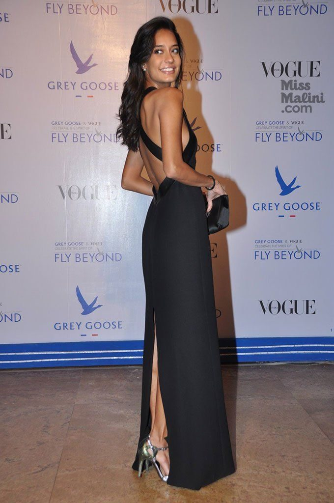 Lisa Haydon Hot Looking Photos In Back Side