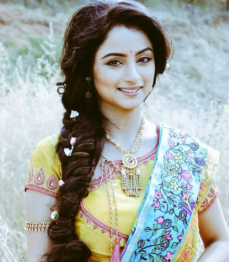 Madirakshi Mundle Hot