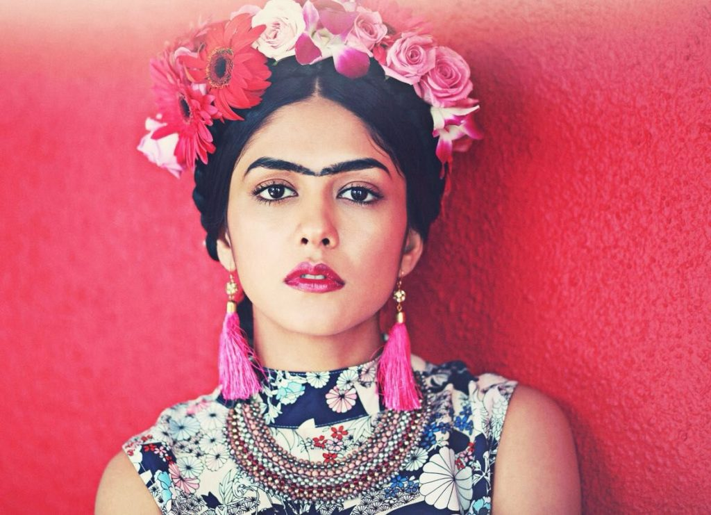 Mrunal Thakur Latest Full HD Pics