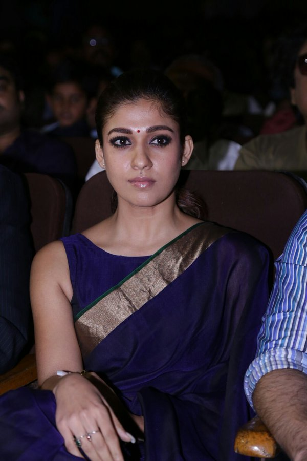 Nayanthara Pics In Saree At Award Show