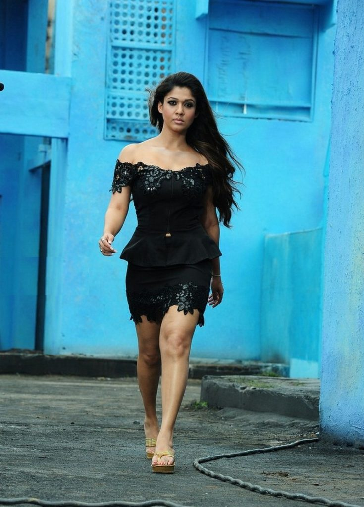 Nayanthara Sexy Legs Images For Profile Pics