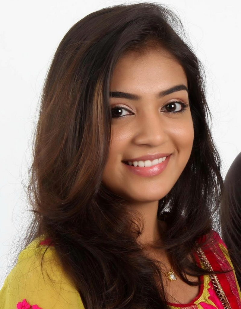 Nazriya Nazim Cute Smiling Photos Download