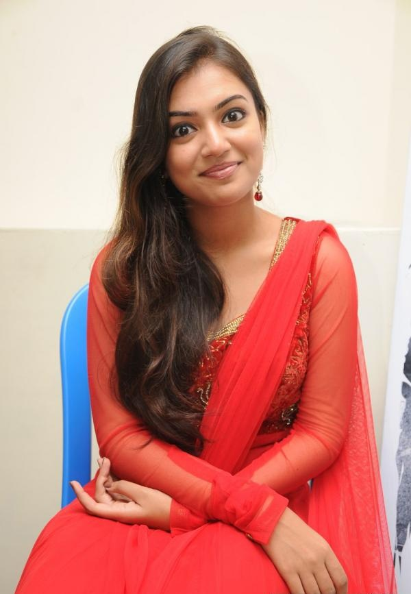 Nazriya Nazim New Pictures In Saree