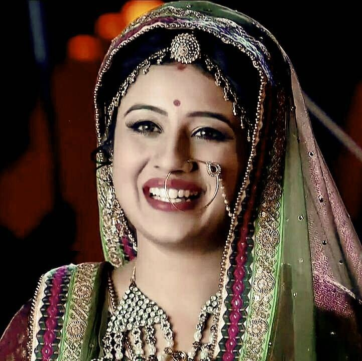 Paridhi Sharma Beautiful Images In Saree