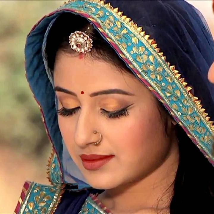 Paridhi Sharma HD Sexy Pics