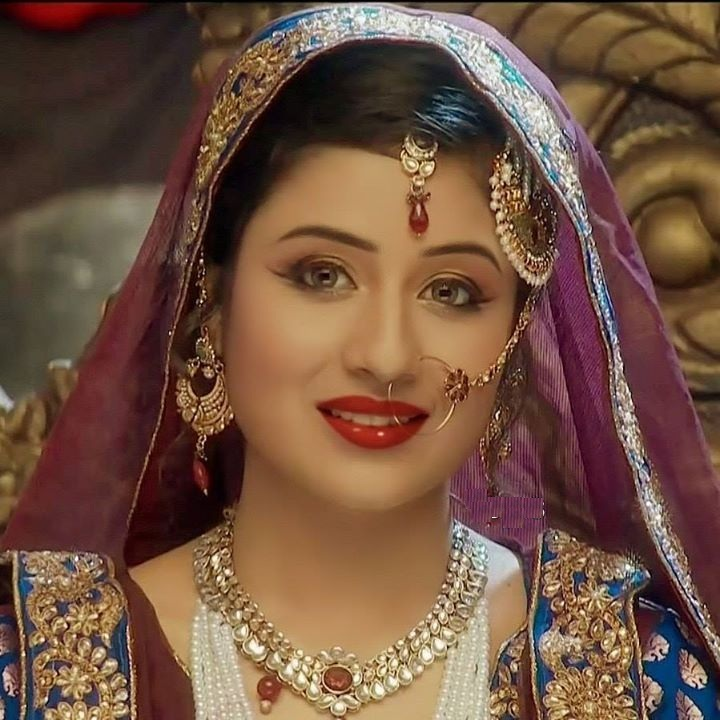 Paridhi Sharma Hot
